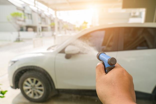 洗車とディテール写真。車の車を取る。