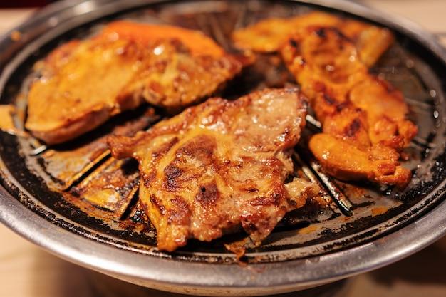 バーベキューポークと肉グリル、韓国風