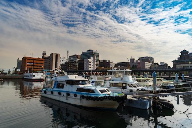 横浜湾の港