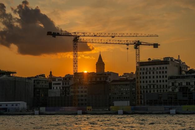 Галатская башня в стамбуле, турция
