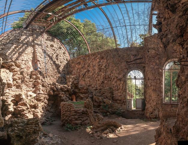 古い放棄された療養所