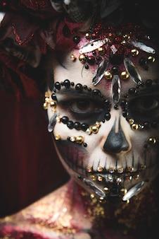 サンタムエルテのイメージで若い女の子