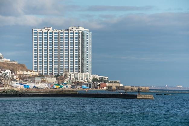 オデッサ、ウクライナの海沿いの集合住宅