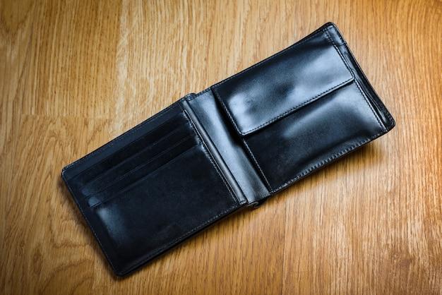 Черный современный денежный кошелек для мужчин