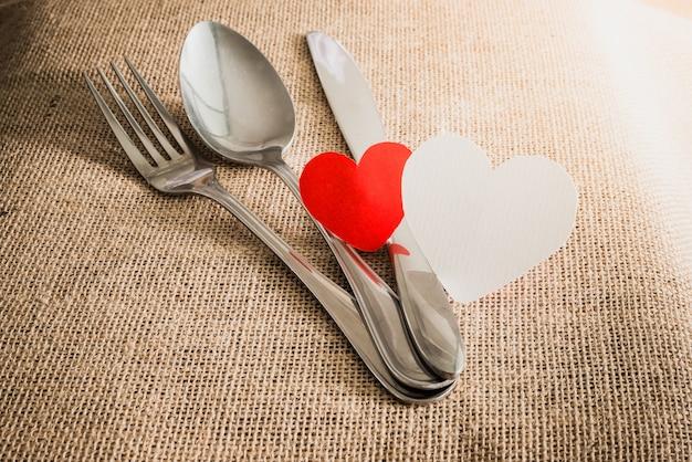 バレンタインのロマンチックなディナーのコンセプト