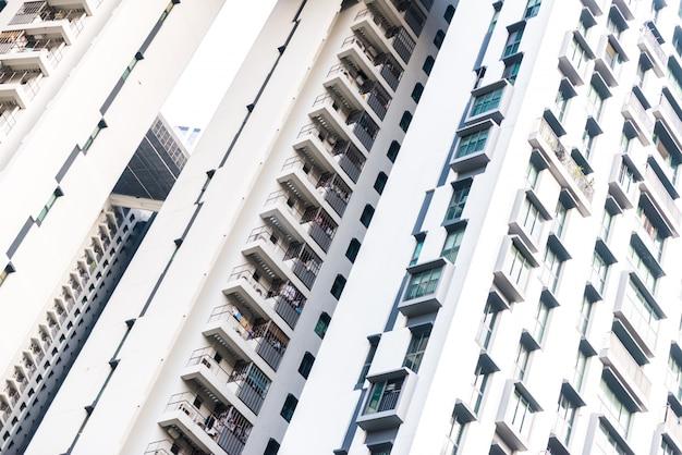 外のアパートの建築の背景。