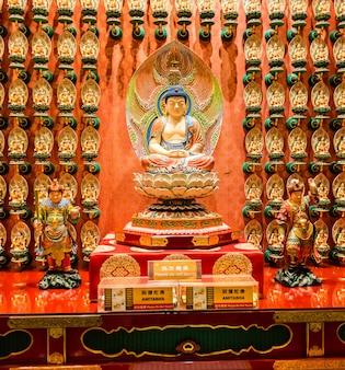 Статуя будды в китайском будда зуб реликвии храм