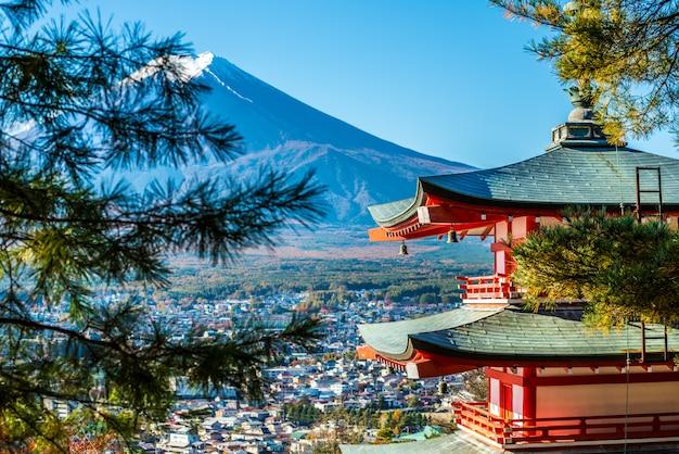 富士山と塔
