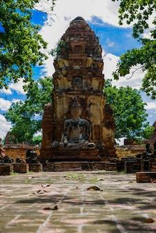 仏、ワット・マハの美しい古代遺跡その世界遺産としてのアユタヤ、タイ