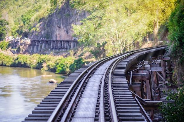 Железная дорога смерти, построенная во время второй мировой войны, канчанабури, таиланд