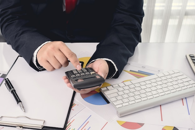 Файлы и папки и бизнесмен