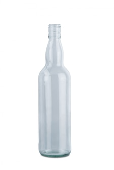白い背景に分離された透明なガラスの水のボトル