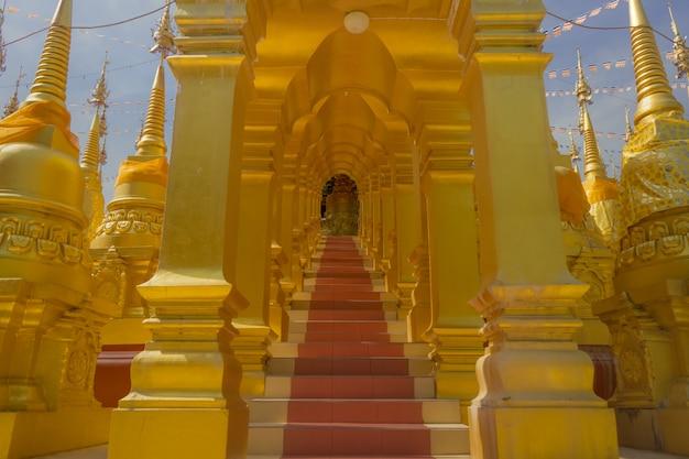 タイの塔。