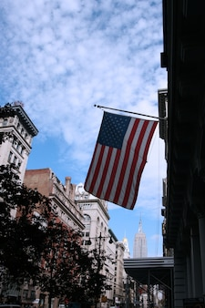 Американский флаг на пятой авеню, манхэттен