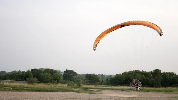 Парамоторный запуск и полет
