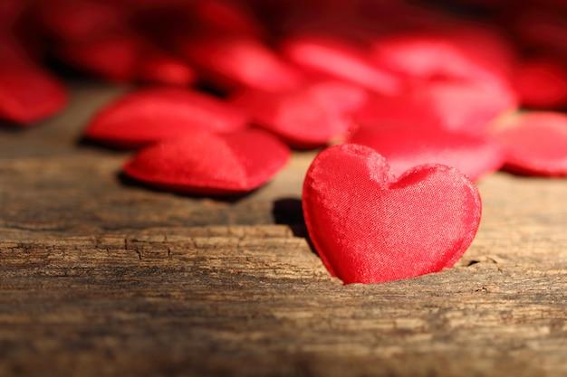 赤いハート形のバレンタイン