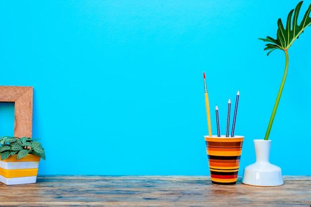 Письменный стол макет декора комнаты рабочей области интерьера дизайн винтаж.