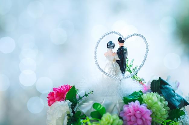花嫁、花婿、結婚式、花束、人形
