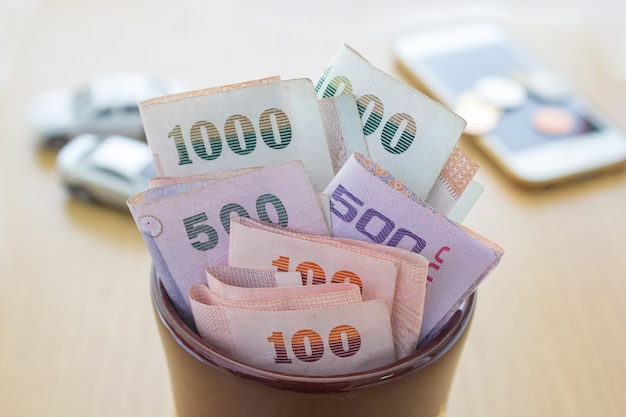 Тайские деньги в банке