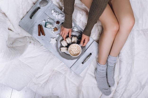 ベッドの中でコーヒー