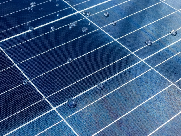 ナノテクノロジーコーティングを施した太陽電池パネルのクローズアップ