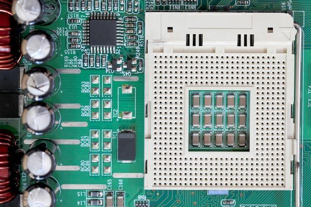 Компоненты разъема электроники на материнской плате компьютера.