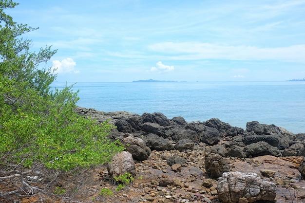 Прибрежный в провинции чонбури день туристических достопримечательностей в восточном таиланде.