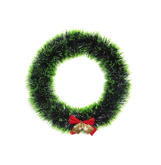 緑の松の木の葉は円です。