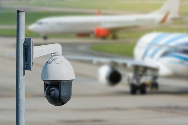 Видеозапись видеокамеры в аэропорту