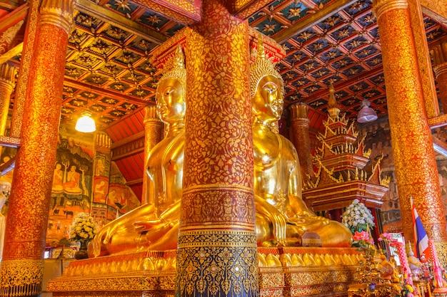 Изображение будды в церкви ват фумин, нан, таиланд