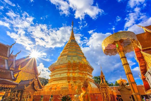 ワットプラタートドイステープはチェンマイ、タイの観光名所です。
