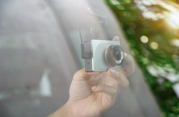 車へのカメラの取り付け