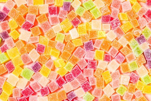 Крупный план разноцветных конфет