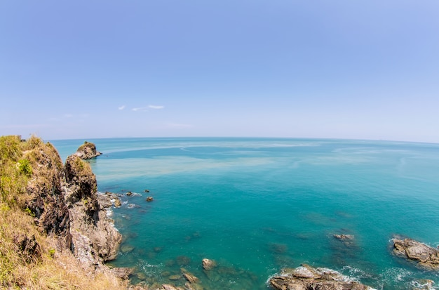 熱帯の海と青い空、アンダマン海、タイ