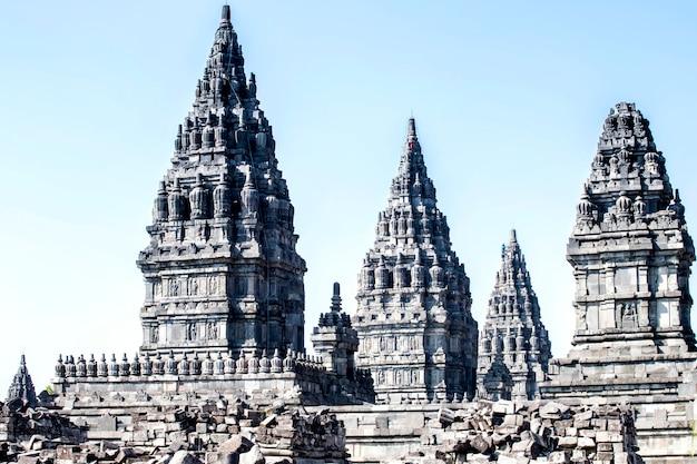 Храм прамбанан, джокьякарта на острове ява, индонезия