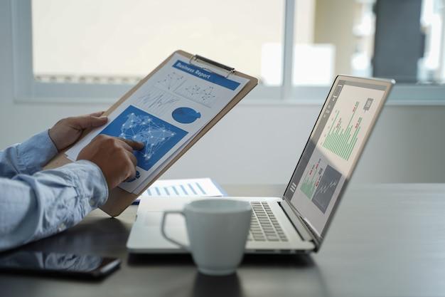 顧客マーケティング営業ダッシュボードグラフィックスコンセプトビジネスマン売上高収益の増加