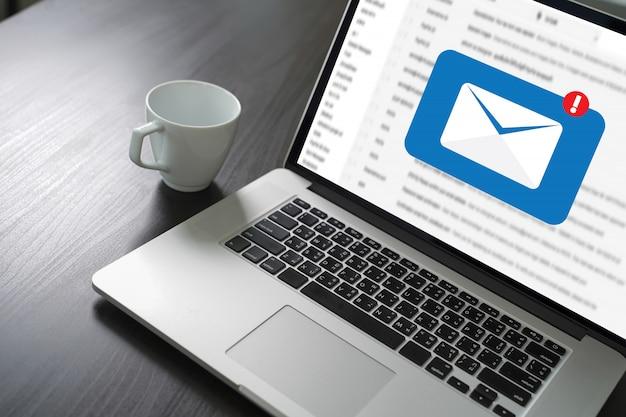 メール通信郵送連絡先電話への接続メッセージグローバルレターコンセプト
