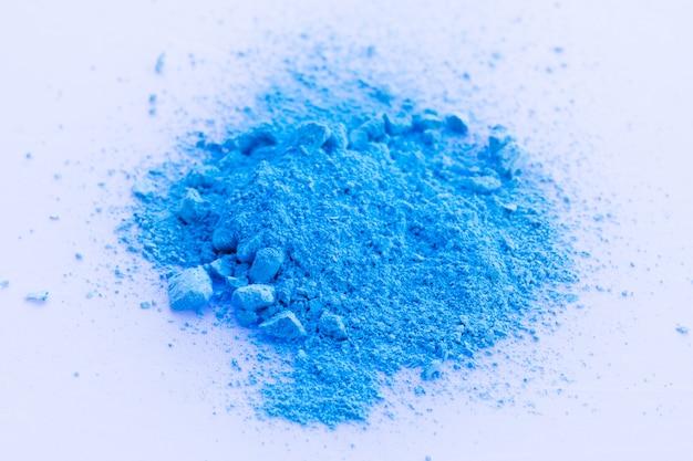 チョークパウダーの青い色の背景