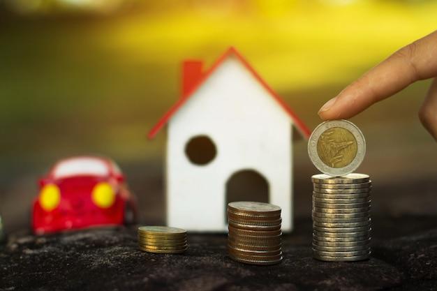 将来の使用のためにお金を保管し、コンセプトは将来のためのお金を節約します。