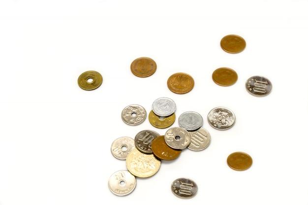 Монеты валюты японской иены
