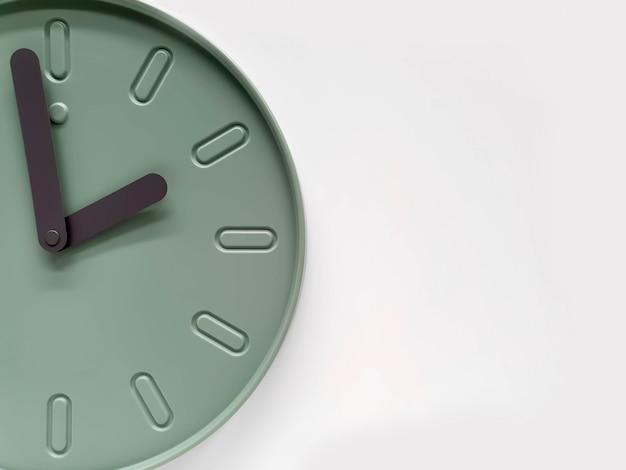 クローズアップと作物は現代の緑の時計の壁を飾るテキスト用のスペースと白い背景に分離します。