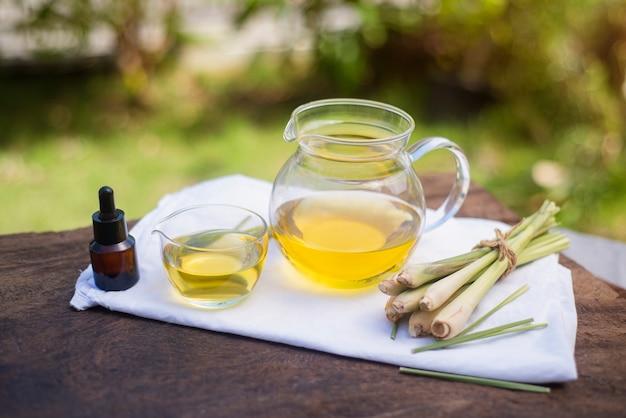 レモングラスから抽出された特定の病気の治療のための多くの特性があります