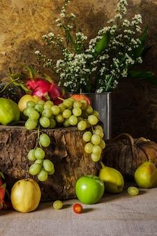 Натюрморт с фруктами.