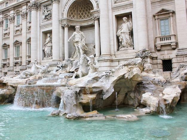 イタリア、ローマのトレビの泉