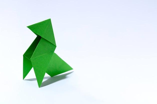 緑の紙の鳥