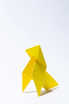 黄色い紙の鳥