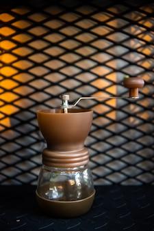 ドリップコーヒー、コーヒー醸造ガジェット。