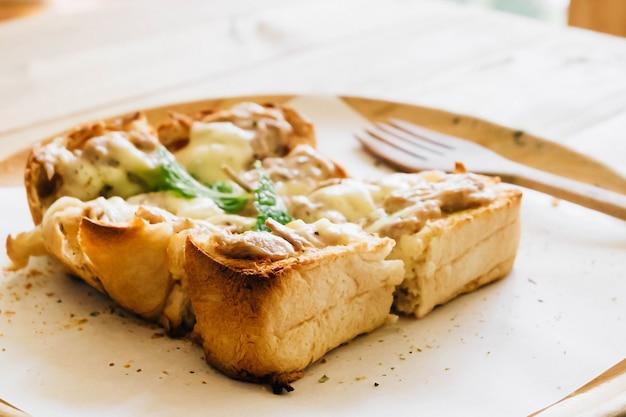 マグロチーズトースト