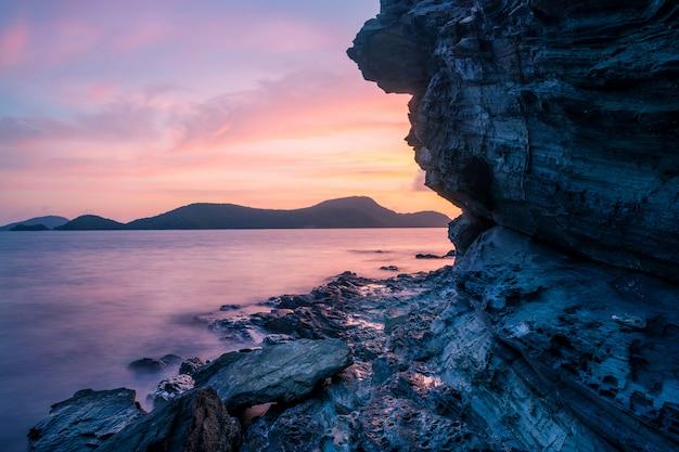 日の出と夕暮れの海の風景風景自然