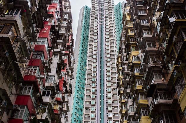 香港への旅行。壮大な建物